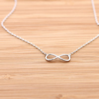 simple INFINITY necklace, 2 colors | girlsluv.it