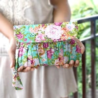 Clutch in Mint and Fuchsia Floral