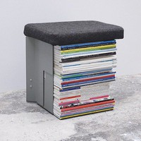 The COLLECTEUR Stool is an efficient solution for storing newspapers - deco and design (En)
