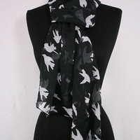 Black Bird Scarf