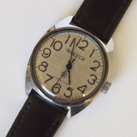 Vintage mechanical mens wristwatch Raketa