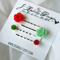 Red &amp; Green Christmas Flower Bobby Pins by SRoskillyDesigns