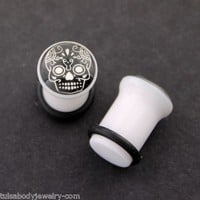 0g=8mm Sugar Skull Day Of The Dead Glow in the Dark Ear Plugs Gauges