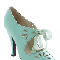 Dainty Dramatist Heel in Mint | Mod Retro Vintage Heels | ModCloth.com