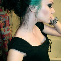 Hair / beautiful green to black hair