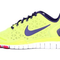 Nike Womens Free Tr Fit 2 Atomic Green Fireberry 487789-302