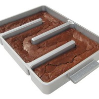 Baker&#x27;s Edge Nonstick Edge Brownie Pan