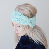 crochet bow headband in mint