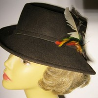 Vintage Ladies Doeskin Felt 100 Percent Wool Fedora with Feather Trim