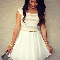 Lace 'Lily' Sweetheart Dress