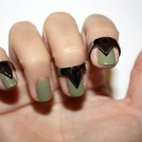 nail triangle rings