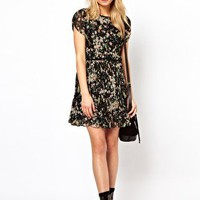 Oasis Exclusive Bird Print Pleated Dress at asos.com