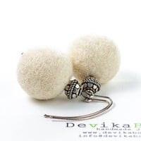 White Earrings Felt Earrings Beadwork Earrings Eco Friendly Creamy White Vintage Style Jewelry