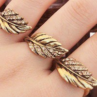Fashion Rhinestone 3 Leaves Ring