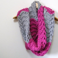 Hand Knitted Oversized Chunky Scarf in Pink & Gray