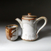Stoneware Tea Set Teapot & Yunomi in Shino