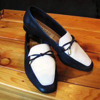 vintage two tone, navy and white leather flats. by Enzo Angiolini. size 7M. navy blue leather loafer