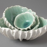 Ceramic Nesting Scallop Bowls Set of 3 by elementclaystudio