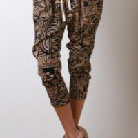Congo Beat Capri Pants