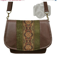 ON SALE InStock  Womens SLR Camera Bag Dslr by janinekingdesigns