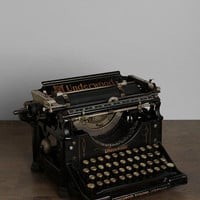 Urban Outfitters - Vintage Underwood Typewriter