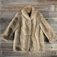 Vintage Northern Faux Fox Fur Coat, Sweet Vintage Rugged Clothing