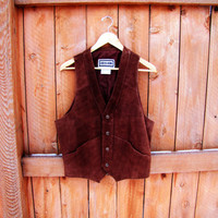 vintage brown suede vest by Chess King. size L to XL. rugged leather vest. western suede vest. unisex