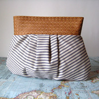 Country road--pleated clutch