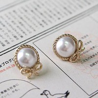 $3.19 Lovely White PearlClear Rhinestone Bow Stud Earring at online Cheap fashion jewelry store Gofavor