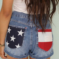 American flag pockets highwaisted shorts from Jadorevintage