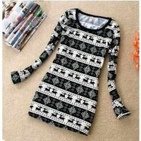 Korean Retro Style Snowflake and Deerlet Pattern Sweater  - Sammydress.com