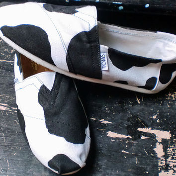Holstein Cow pattern Painted on YOUR TOMS