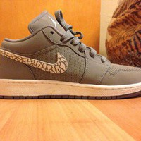 Nike Air Jordan 1 Phat Low Gray Size 6