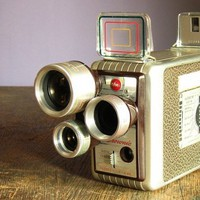 Vintage 1950s Kodak Brownie 8mm Movie Camera / Buy it now - Playwho.com