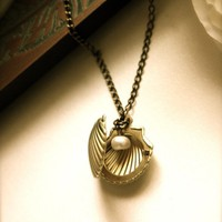 A Clam Locket Necklace. Shell Locket. An Oyster Golden Brass Locket. Mermaid. For Wife, Best friends. Beach Wedding. Destination Wedding.