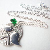 Birthstone necklace, silver mommy necklace bird and baby bird, May emerald or personalized birthstone jewelry