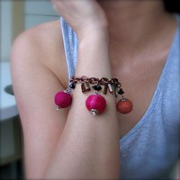 Berry Colored Secret Garden Bracele.. on Luulla