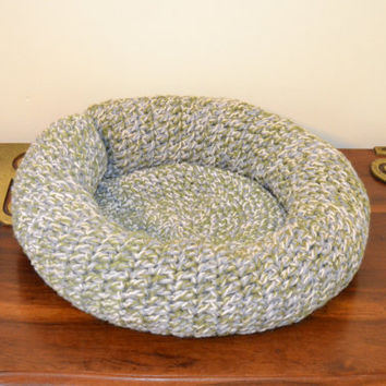 Crochet Pattern For Cat Bed : Crochet Pet Bed for Cat or Small Dog from LittlestSister ...