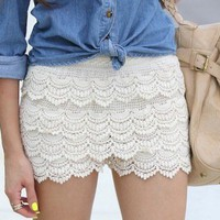Beige Scalloped Crochet Lace Shorts