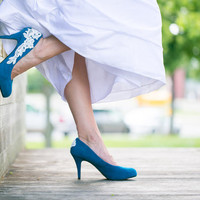 Wedding Shoes  - Teal Blue Wedding Shoes with Ivory Lace Applique. US Size 7.