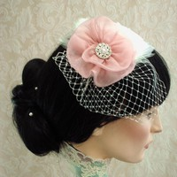 Eva Feather Fascinator With Organza.. on Luulla