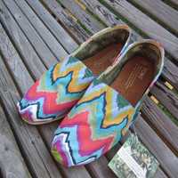 Weeping CHEVRON Hand-Painted Toms