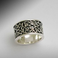 Sterling silver and filigree wide ring Karma by artisanimpact