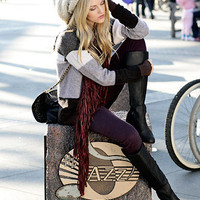 Free People Hat, Free People Scarf, Joie Sweater, Clarks Boots //    Waiting on a friend... by Shea Marie // LOOKBOOK.nu