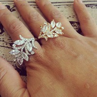Chrystal Leaf Ring