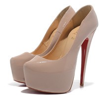 christian louboutin 16CM nude-colored patent leather shoes