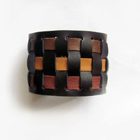 Leather bracelet in brown tones- Brown bear