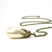 Vintage Pearl Necklace, Pendant Neklace, Brass Necklace, Bridal Jewelry, White Earrings, Wedding Jewelry, Romantic Earrings, Simple Necklace