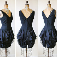 Little Black Dress / Mini Dress / Vintage 1980s Flirty FLUTTER Dress / LBD