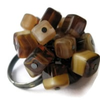 Beaded cluster ring Tortoise shell effect brown gold cream cube glass beads statement jewelry cocktail ring